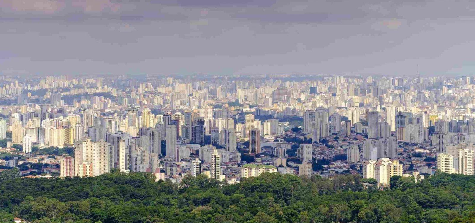 [Estrangeiros conseguem 'visto gold' ao investir em imóveis no Brasil]
