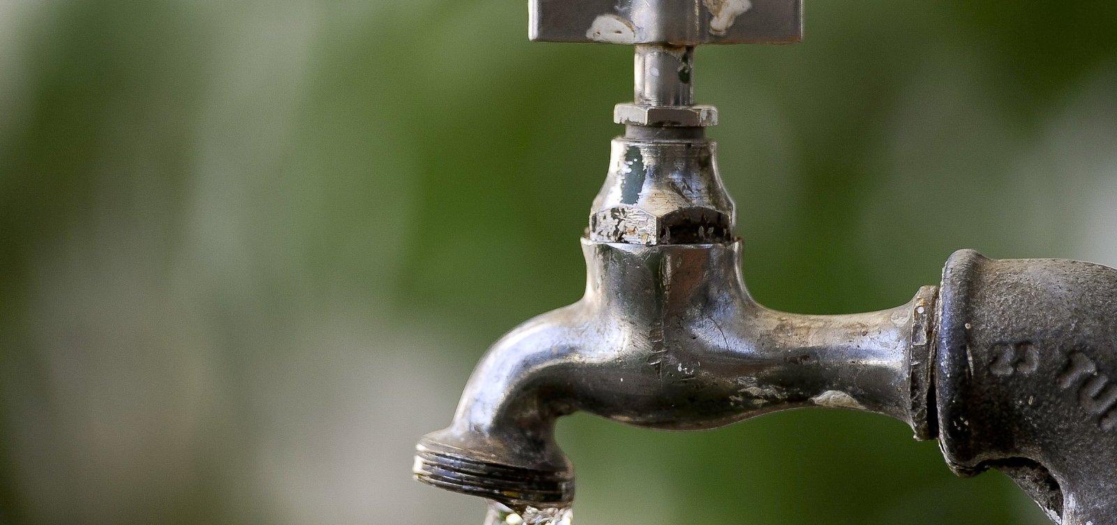 [Embasa interrompe fornecimento de água em 24 bairros de Salvador nesta quinta]
