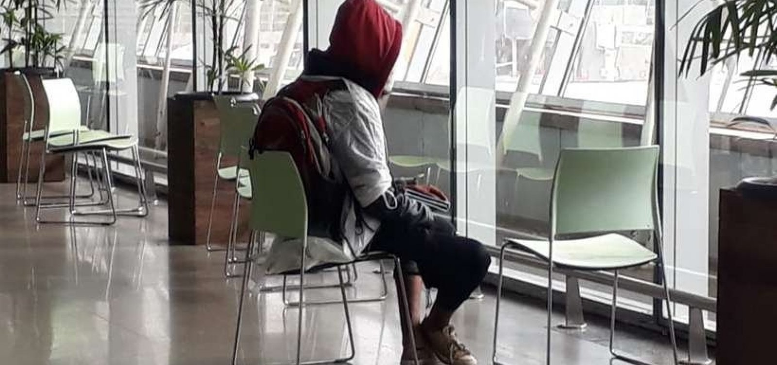 [Homem com pacote suspeito é detido no aeroporto de Brasília]