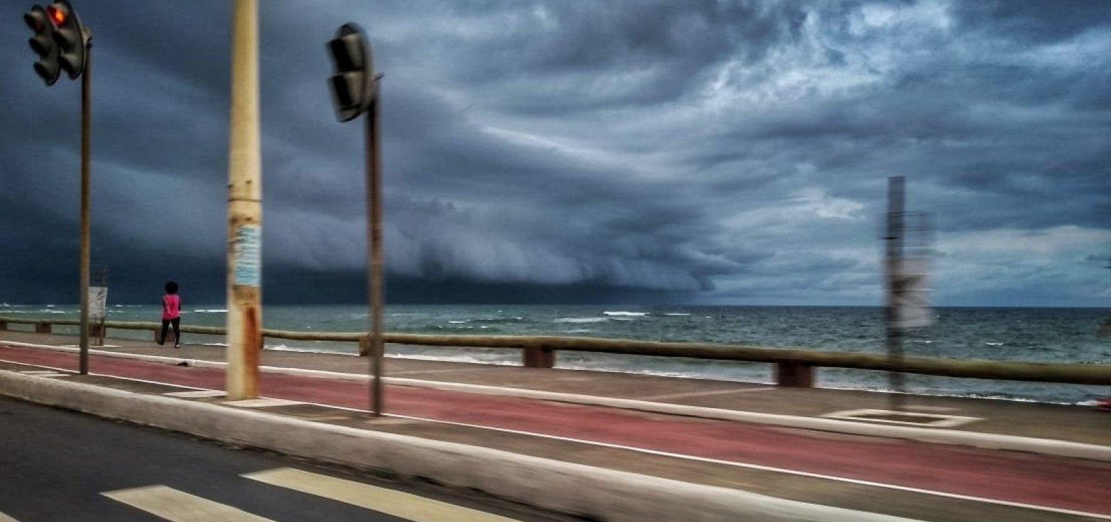 [Inema emite alerta máximo para chuvas em Salvador e outros 148 municípios; veja lista]