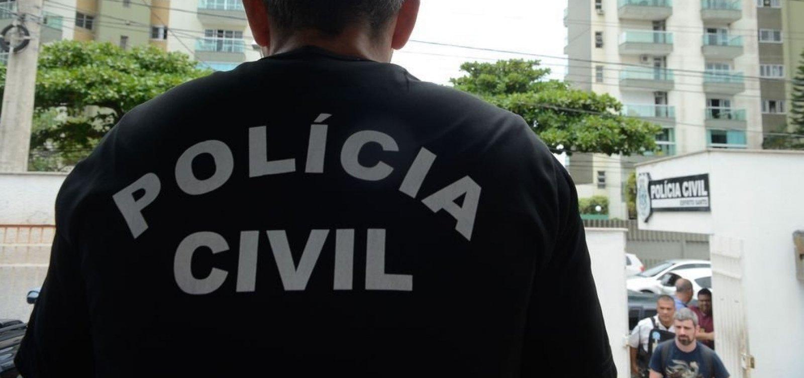 [Polícia faz operação contra lavagem de dinheiro em escola de samba]