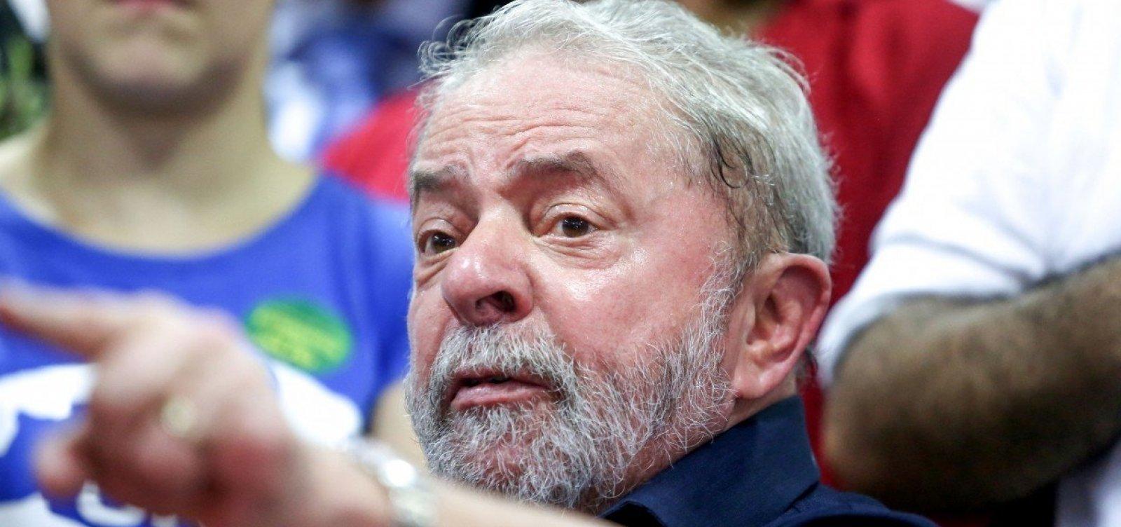 [Em entrevista por carta, Lula diz que Moro agiu politicamente ao condená-lo]