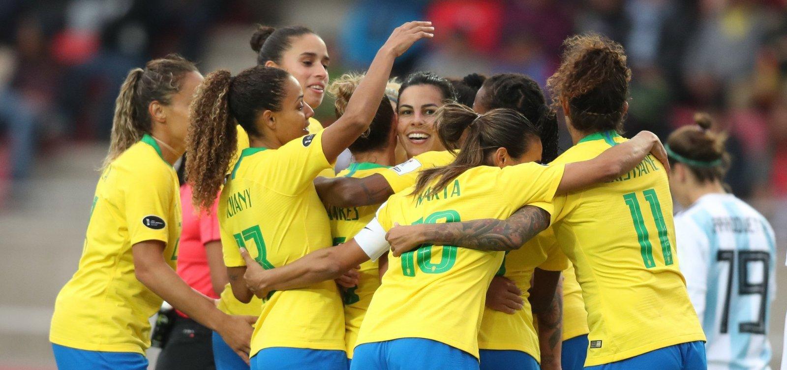 [Seleção brasileira perde duas posições no ranking feminino da Fifa]
