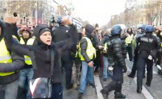 [Novos protestos devem acontecer em Paris neste sábado]