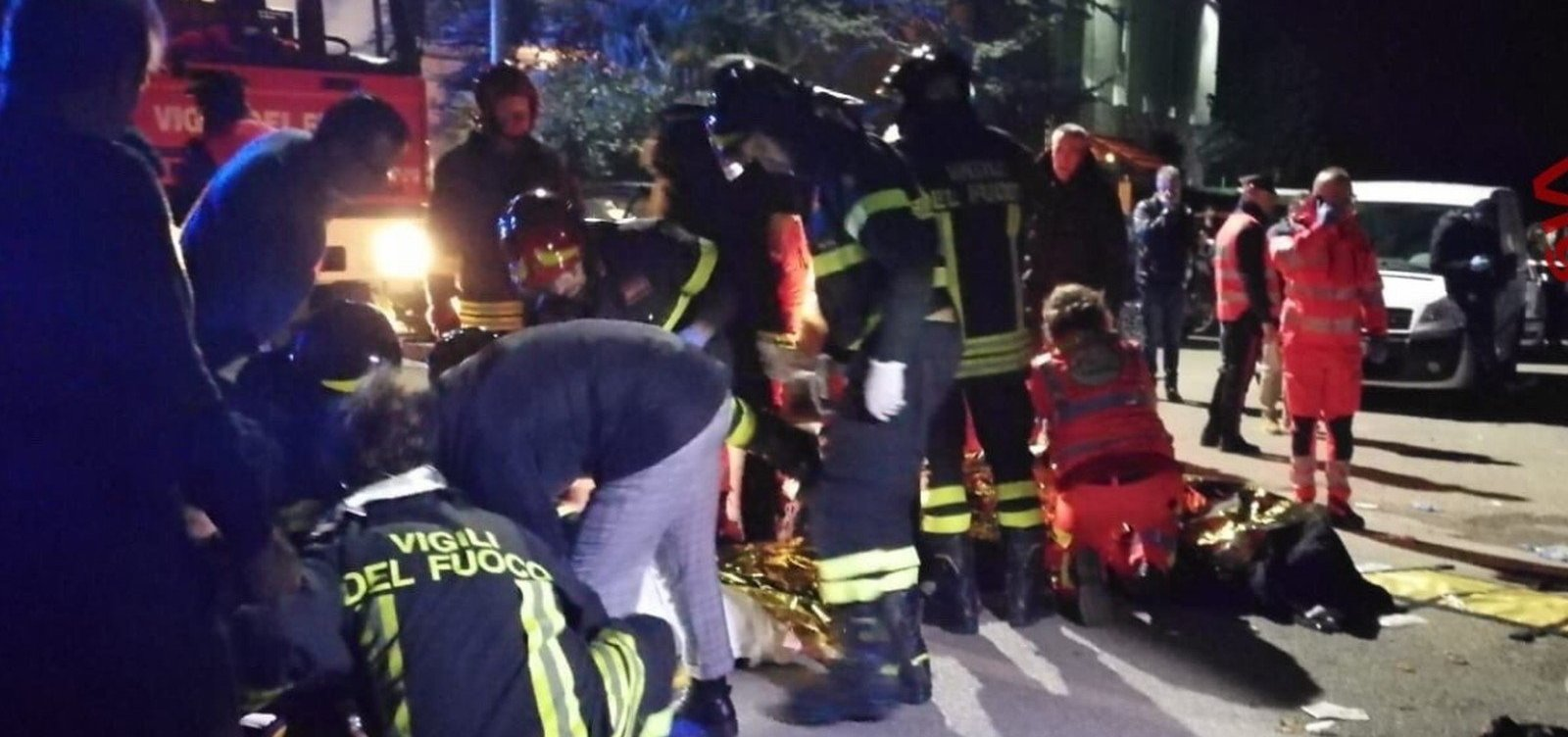 [Seis pessoas morrem e mais de 100 ficam feridos em show na Itália]