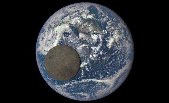 [China lança sonda para explorar a face oculta da Lua]