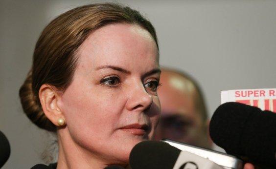 ['Temos muita esperança que Lula saia da prisão antes do Natal', diz Gleisi]