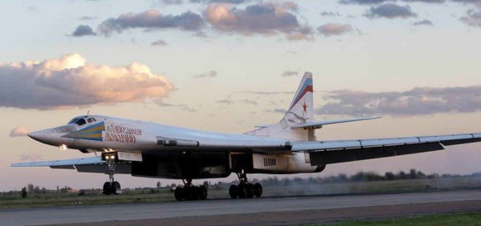 [Em parceria militar, Rússia envia aviões de guerra para a Venezuela]