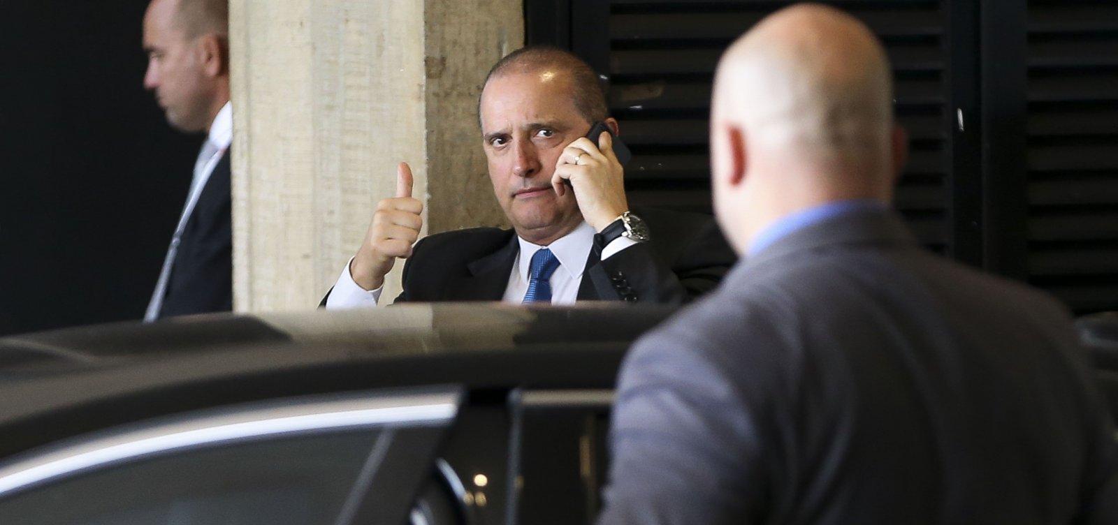 [Onyx cobra explicações de ex-assessor de Bolsonaro: 'Há um terceiro turno no ar']