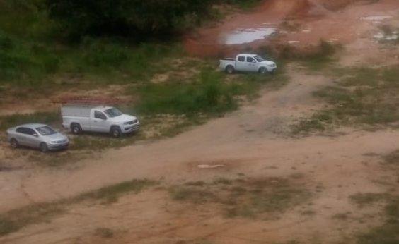[Leitor flagra carros da Coelba fazendo 'rally' em Sussuarana]