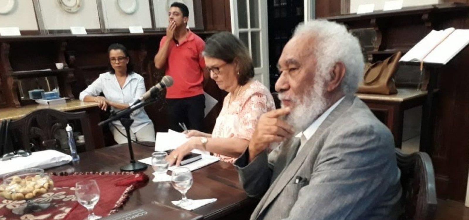 [Juarez Paraíso é eleito para a Academia de Letras da Bahia]