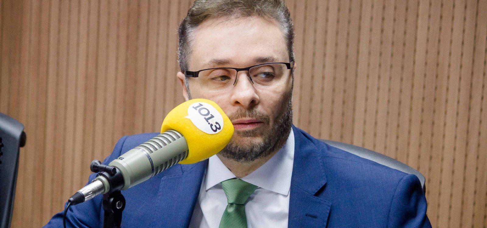 [Secretário da Fazenda compreende protestos, mas defende reformas na Bahia]