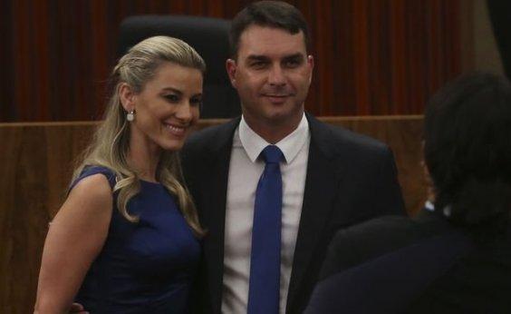 [Flávio Bolsonaro diz que 'nada fez de errado' em caso de ex-assessor]