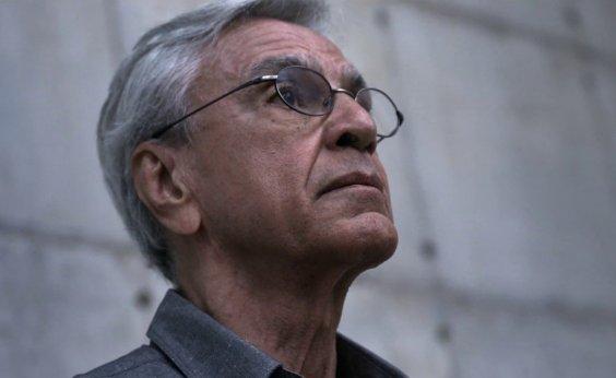 [Caetano Veloso fala sobre prisão em documentário: 'Pensei que iam atirar']