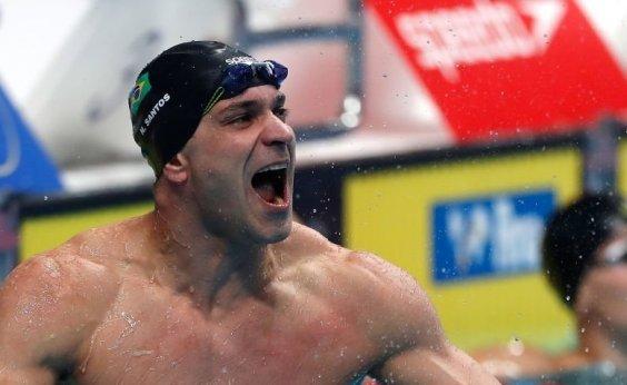 [Nicholas Santos conquista o ouro nos 50m borboleta no Mundial de piscina curta]