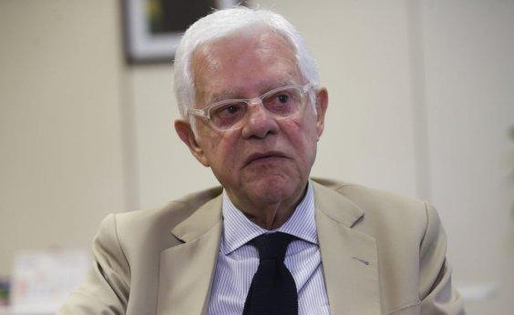 [Moreira Franco diz que questionamentos a Bolsonaro sobre ex-assessor são 'inconvenientes']