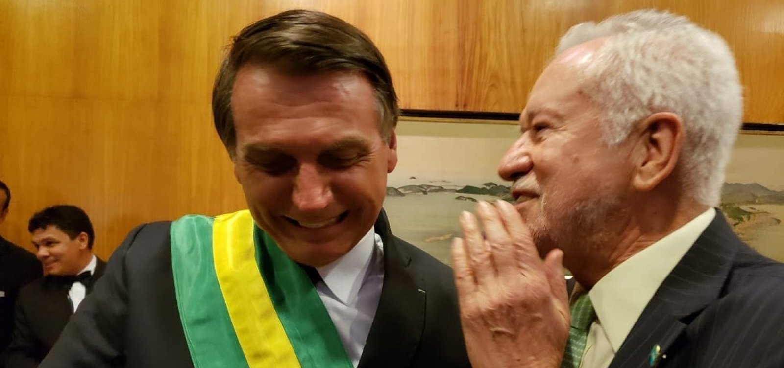 [Alexandre Garcia é cotado para assumir cargo de porta-voz de Bolsonaro]