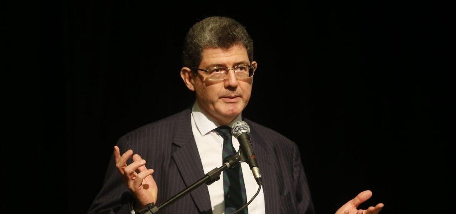 ['Privatização da Eletrobras continua em discussão', diz presidente do BNDES]