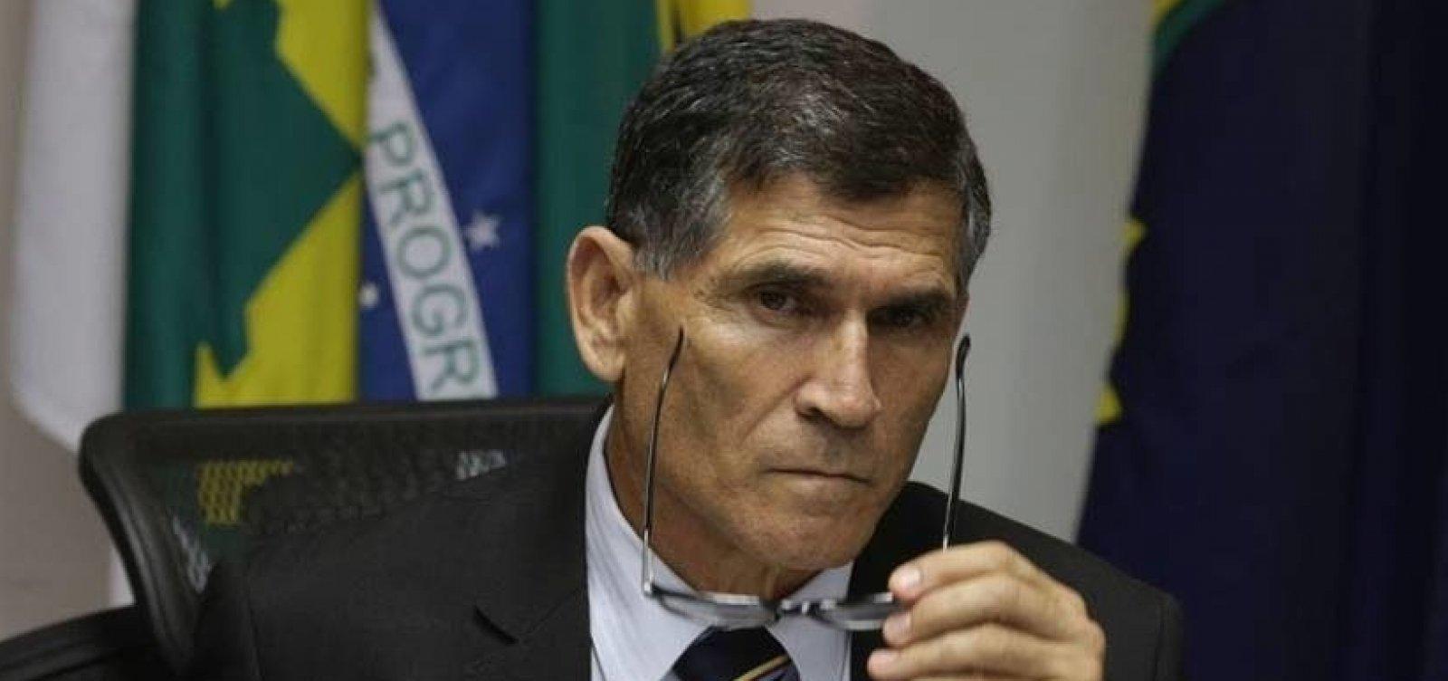 [Ministro contraria Bolsonaro e assegura permanência da EBC]