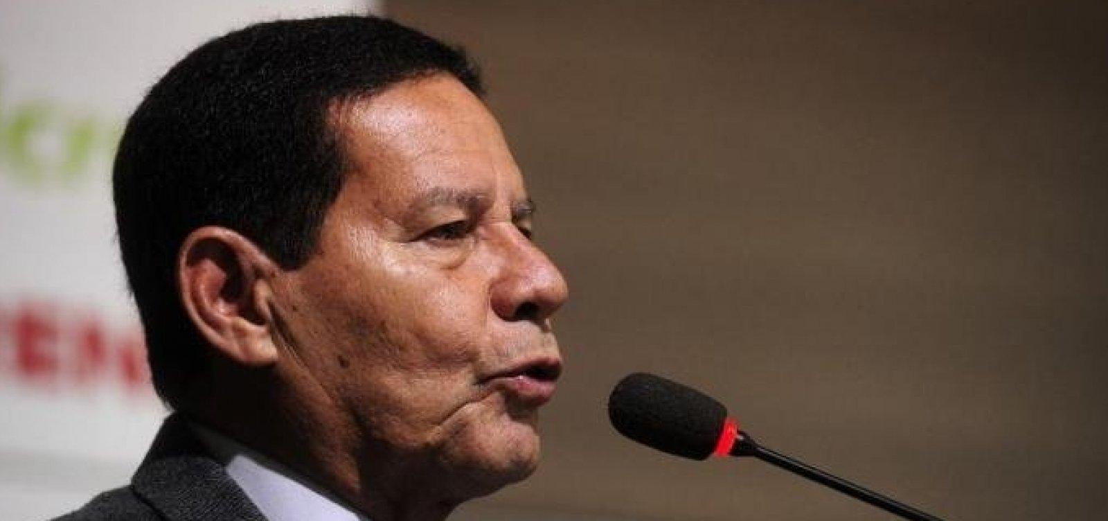 ['Perdeu a noção', comenta Mourão sobre ida de presidente do PT à posse de Maduro]