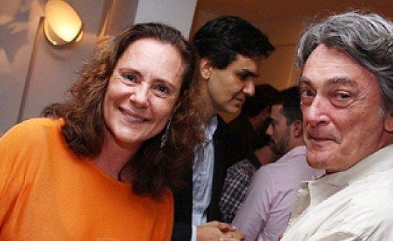 [Elizabeth Savalla abandona gravação de novela após marido sofrer AVC]