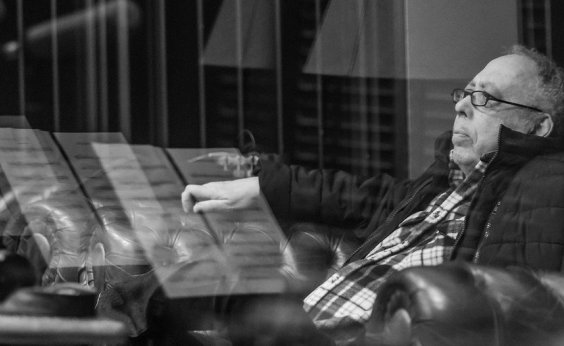 [Jards Macalé lança sua primeira música inédita em 20 anos: 'Trevas']