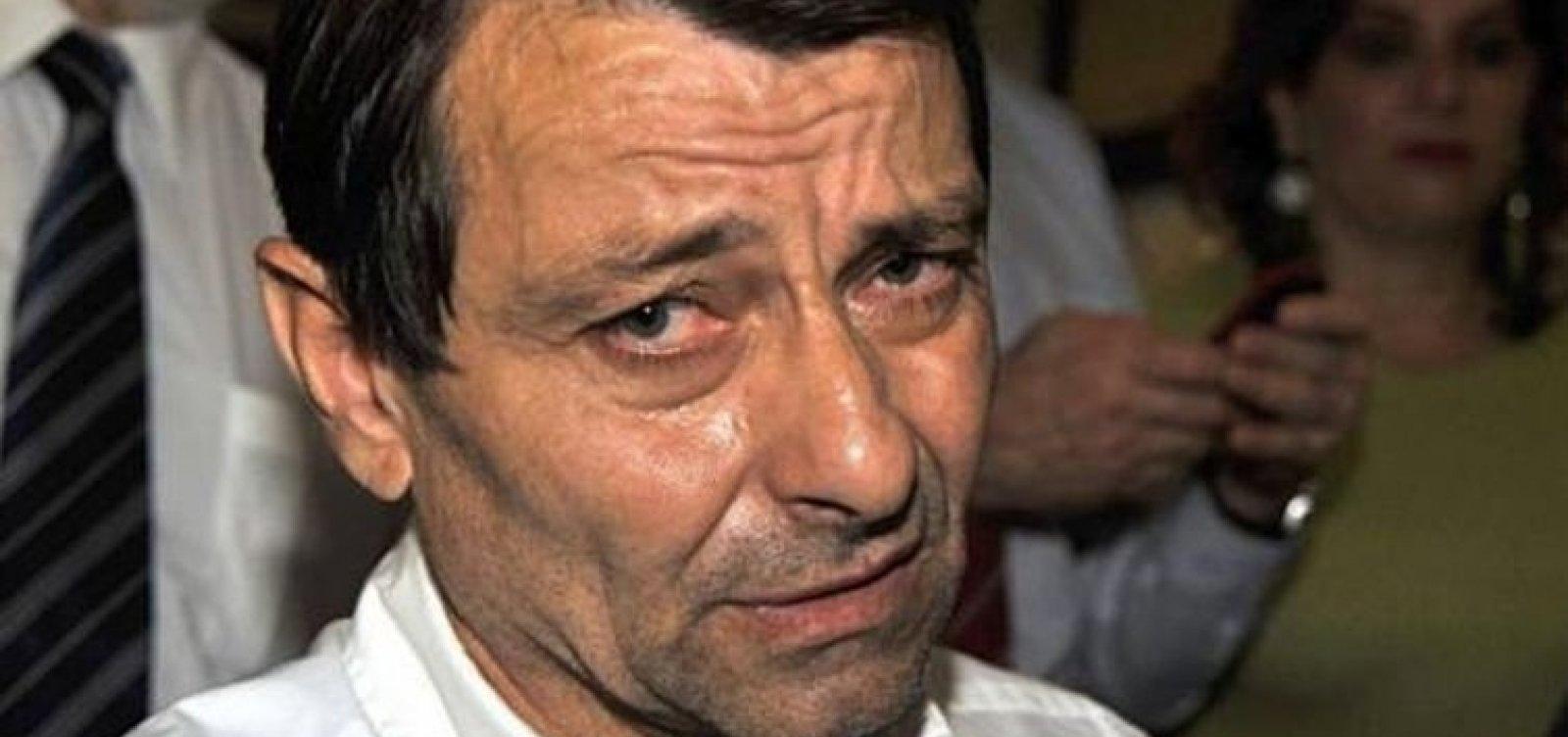 [Cesare Battisti é preso na Bolívia com barba e bigodes falsos]