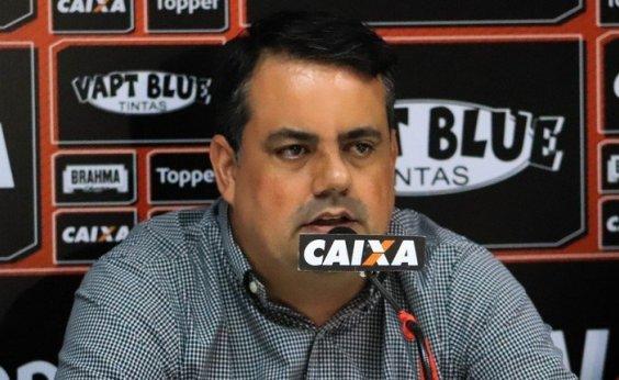 [Em reorganização orçamentária, Vitória demite diretor de futebol ]