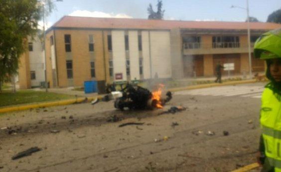 [Sobe para 21 o número de mortos após explosão de carro-bomba em Bogotá]