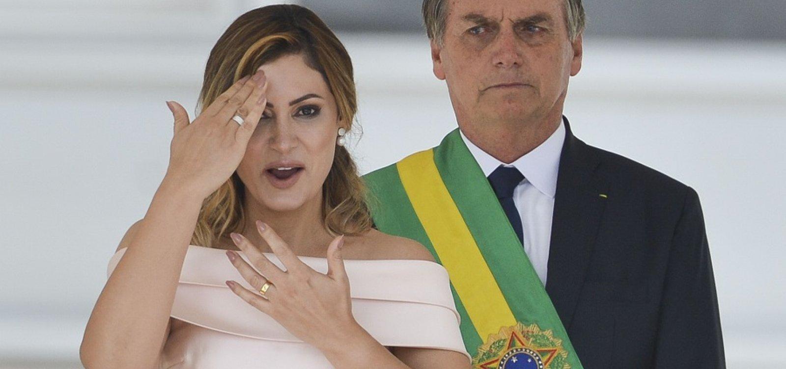[Michelle diz ter avisado Bolsonaro sobre discurso em Libras duas horas antes]