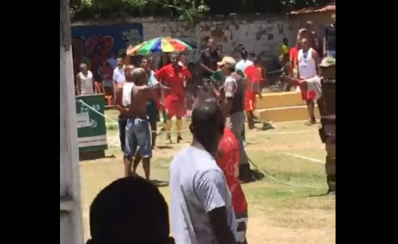 [Lauro de Freitas: Tumulto com PMs em partida de futebol deixa um morto e um ferido; vídeo]