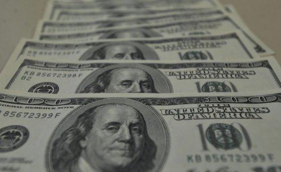 [Em janeiro, entrada de dólares no Brasil supera saída em US$ 55 mi]