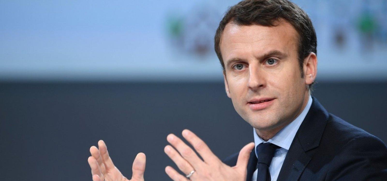 [França retira embaixador da Itália após vice-premiê italiano se reunir com coletes amarelos]