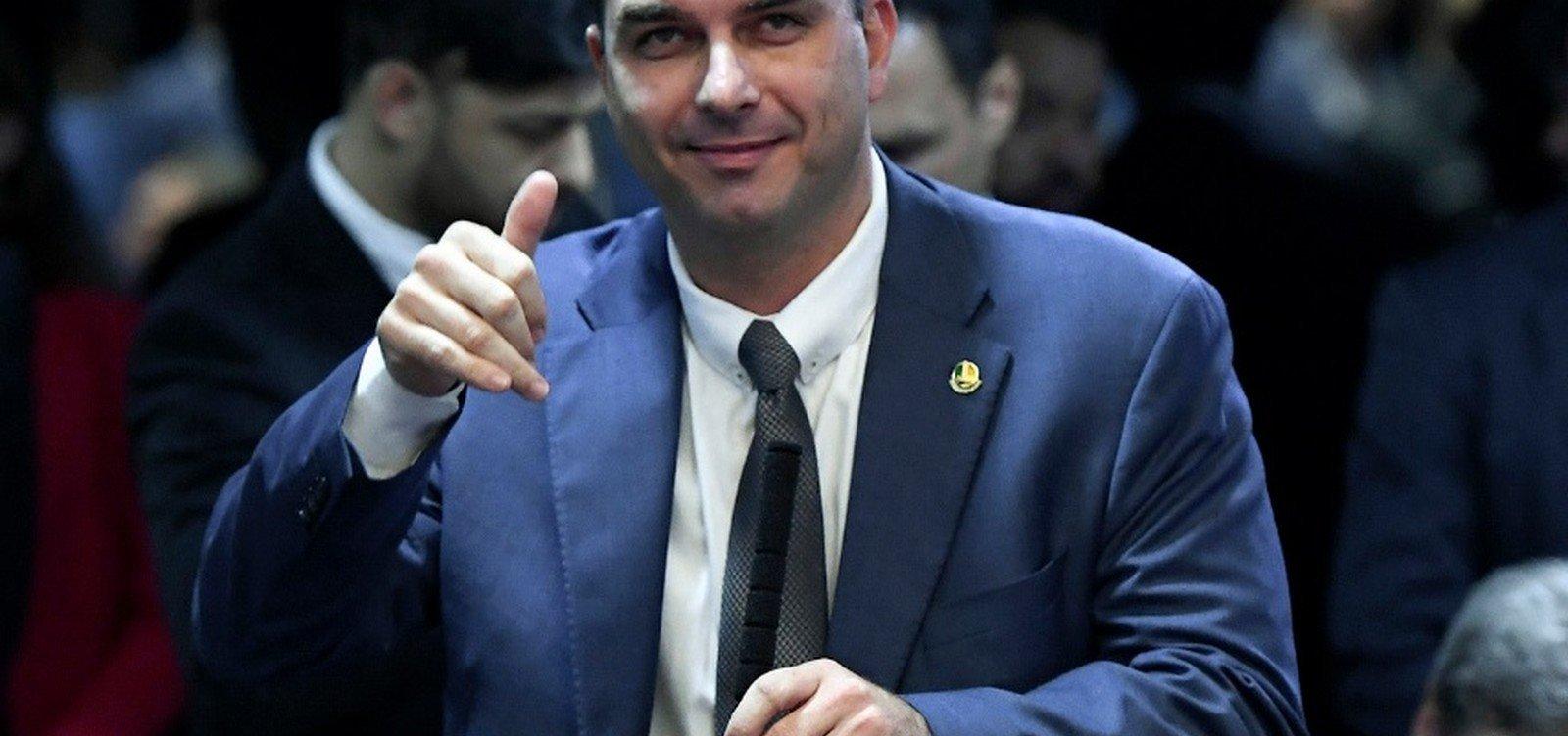 [Flávio Bolsonaro é investigado pelo núcleo de combate à corrupção do MPF no RJ]