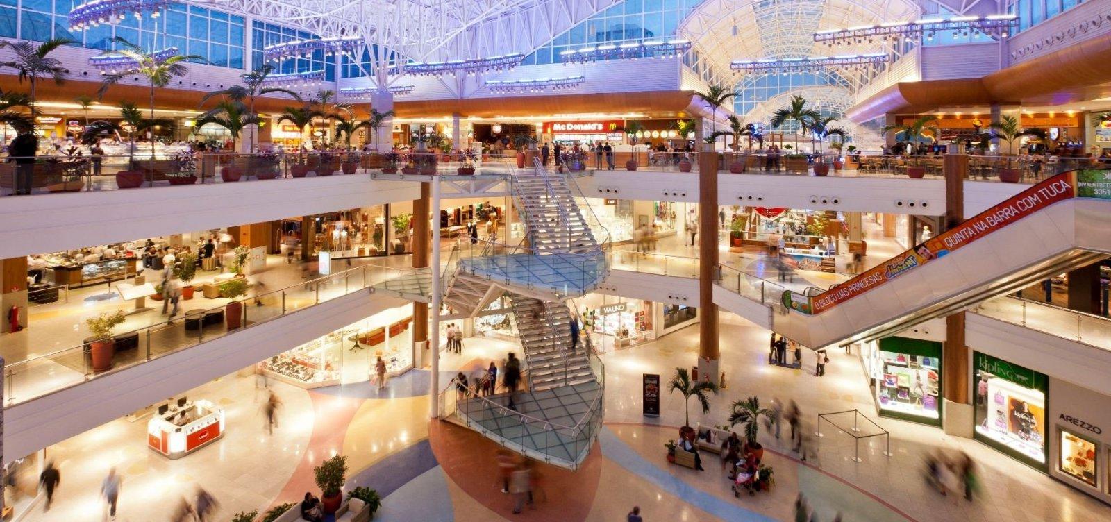 [Após determinação da Justiça, lojas de shoppings abrem neste domingo]