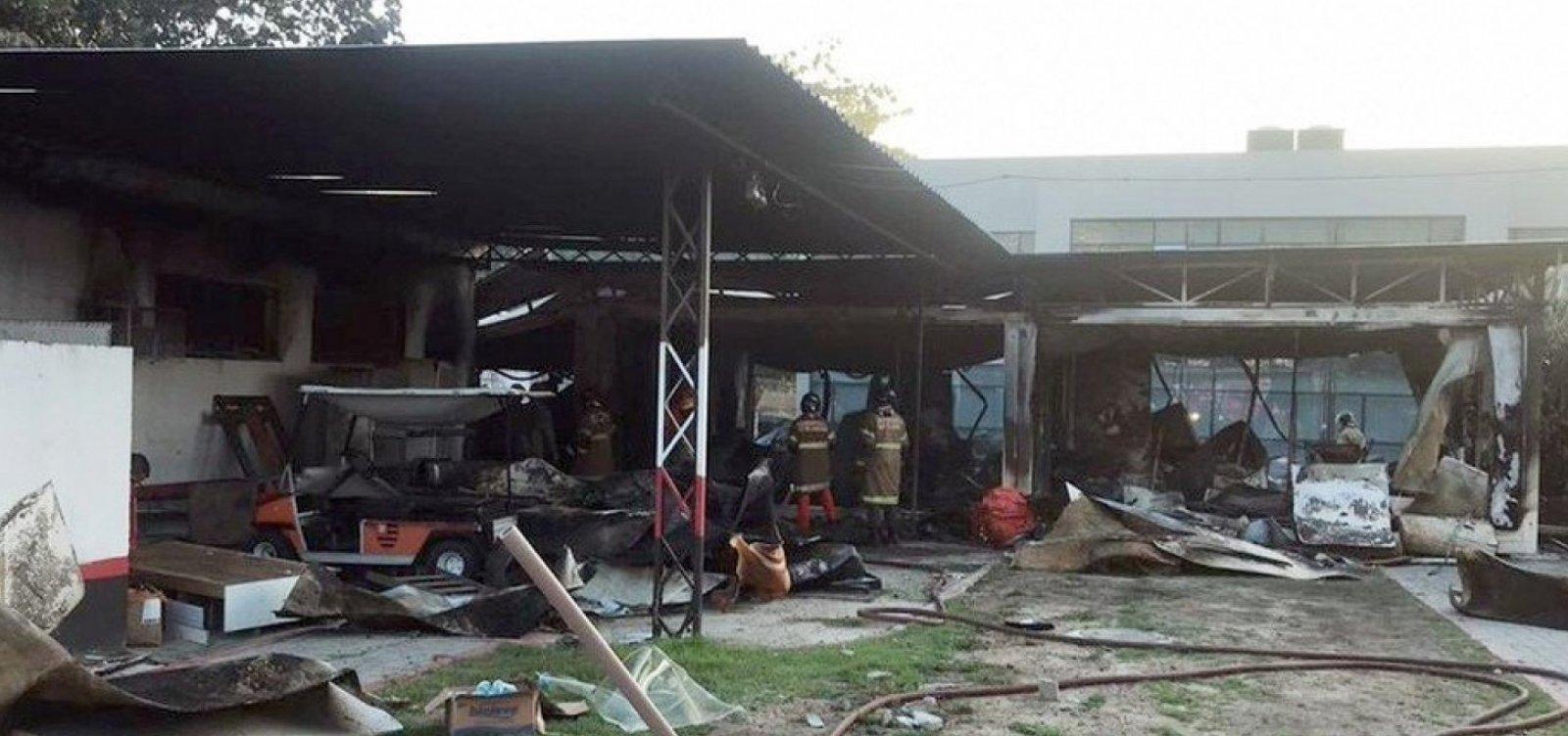 [Vítima de incêndio no Flamengo recebe alta do CTI]