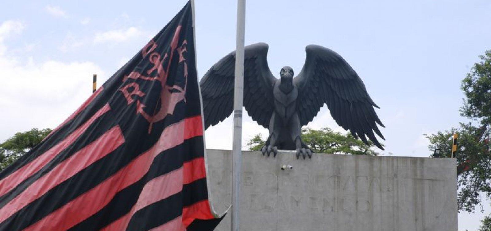 [Flamengo manterá salários das vítimas do incêndio]