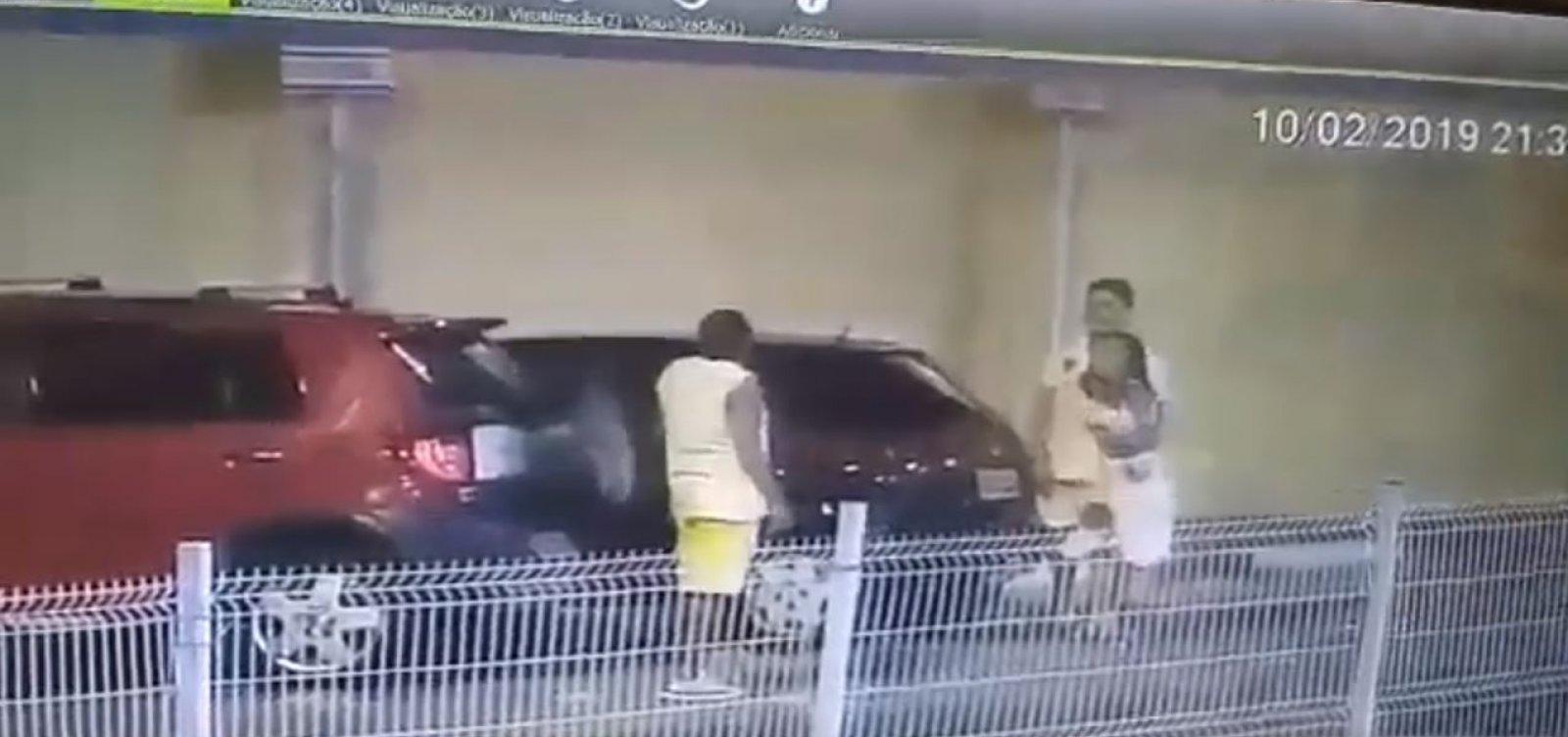 [Policial é agredido por advogado em estacionamento de shopping; veja vídeo ]