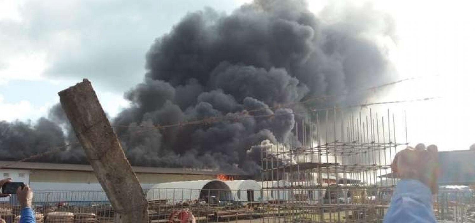 [Incêndio atinge galpão da usina de Belo Monte]