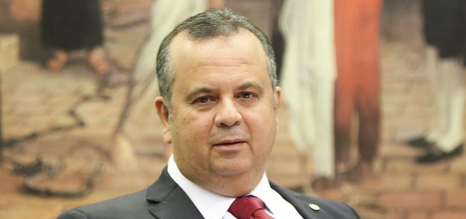 [Texto-base de reforma da Previdência aguarda análise de Bolsonaro, diz secretário]