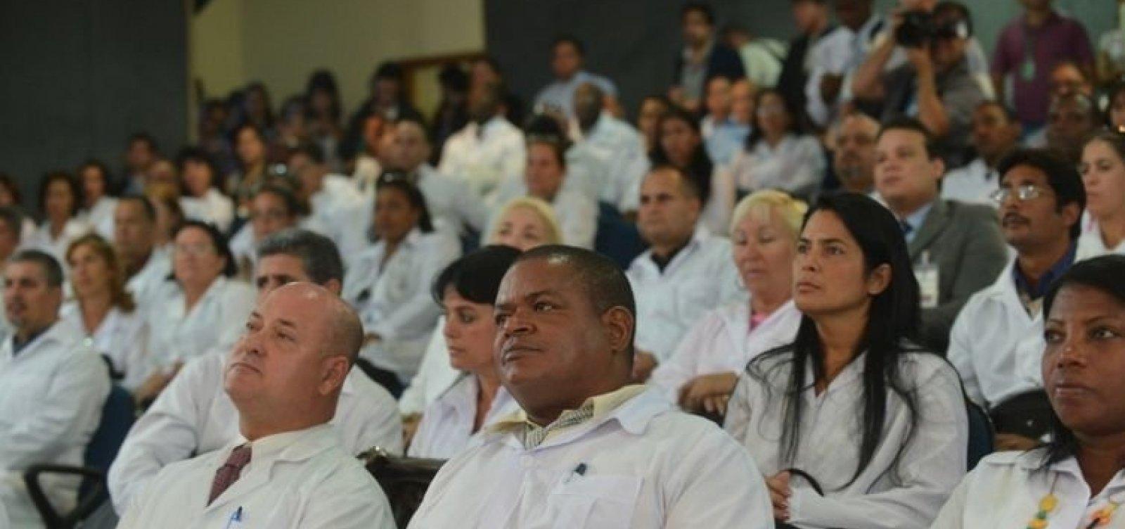 [Cuba oferece trabalho para médicos cubanos que ficaram no Brasil]