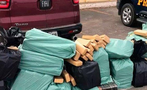 [Motorista é preso com 700 kg de maconha em Conquista]