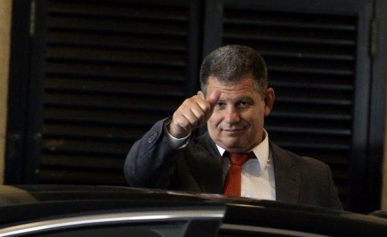[Magoado, Bebianno não vai poupar filho de Bolsonaro, diz jornal]
