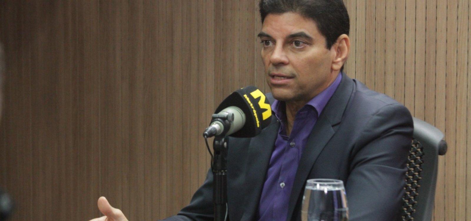 [Cajado minimiza disputa Bolsonaro X Bebianno: 'Crise maior do que deveria' ]