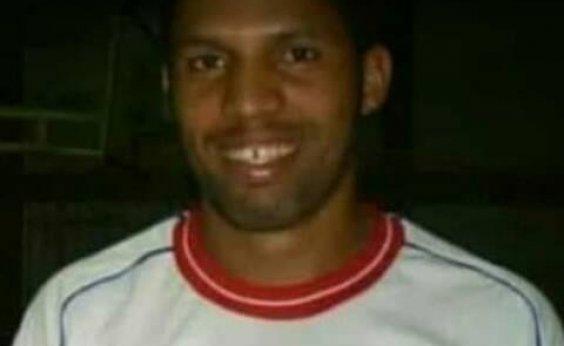 [Jogador de futebol morre após sofrer mal súbito durante partida]