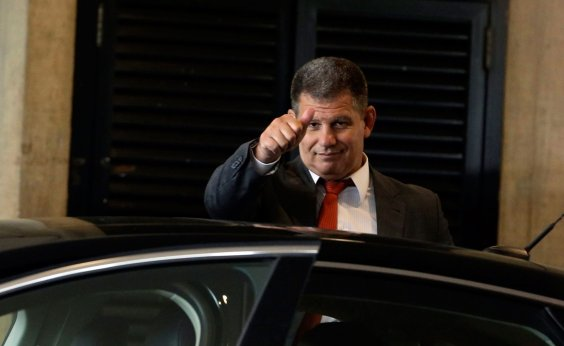 [Apesar de demissão, Bolsonaro grava vídeo com elogios a Gustavo Bebianno]