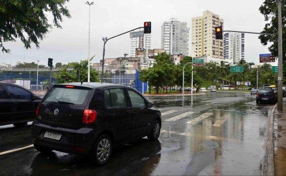[Infrações por avanço de sinal vermelho em Salvador caem mais de 50% em 2018]