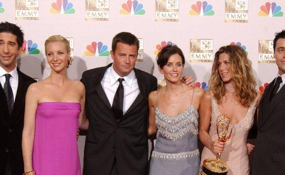 [Com vício em drogas, Matthew Perry recebe ajuda de elenco de 'Friends']