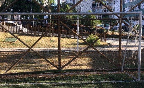 [Sem manutenção, Praça Miryam Fraga é alvo de reclamações de moradores]