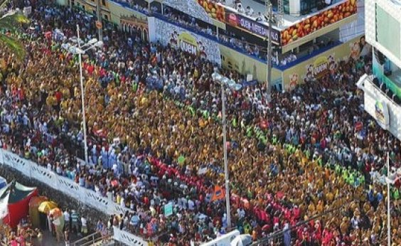 [Carnaval deve atrair 800 mil turistas para Salvador]